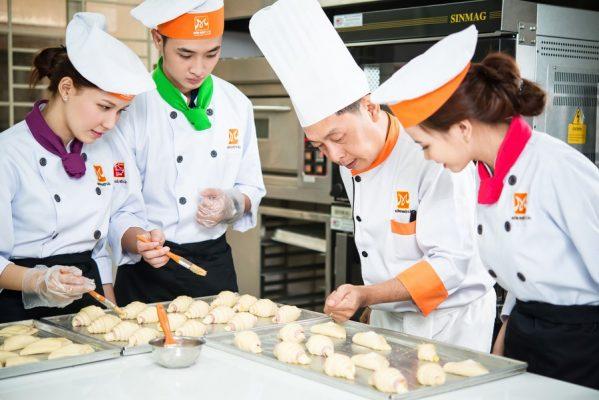 nghiệp vụ bếp trưởng bếp bánh